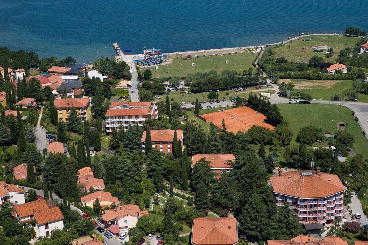 IZOLA: HN SIMONOV ZALIV - Slovenija