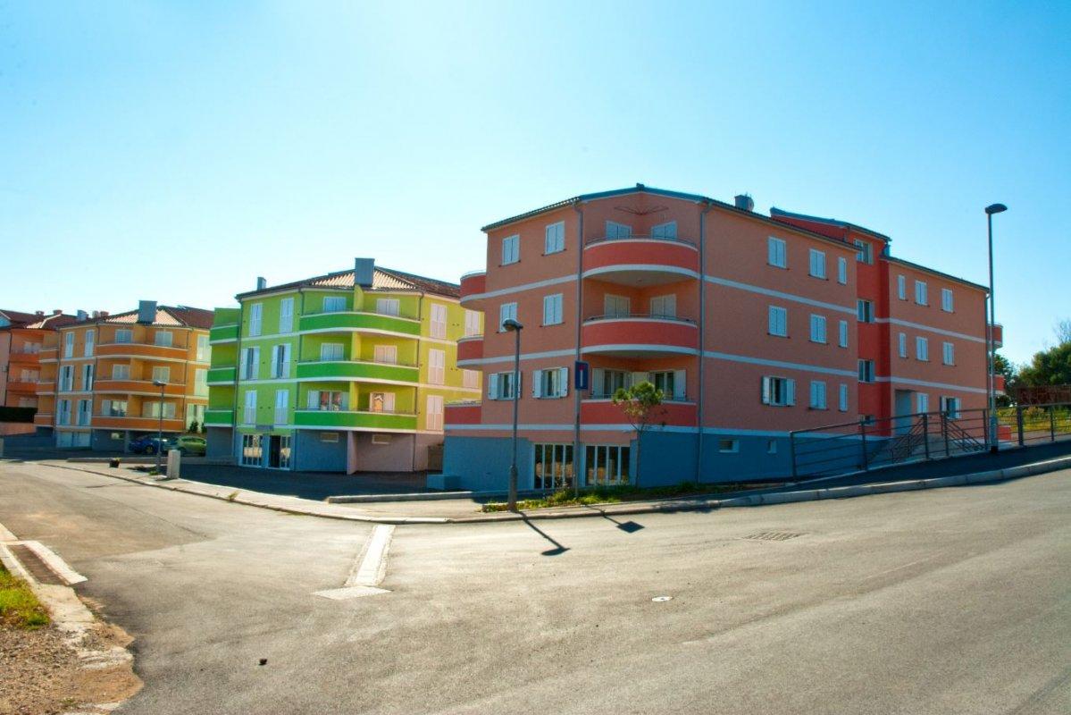 PREMANTURA - Istra